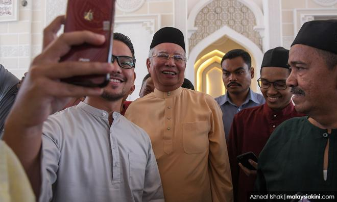 Malaysians Must Know The Truth Clarification On Several Inaccurate Information Reported On Article Bombshell The Remission Is Over Gossip Swirls Muhyiddin To Go For Chemotherapy Claims Report Azmin S Big