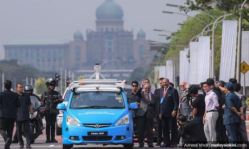 PM dan kereta tanpa pemandu